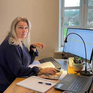 Henriette Samsø har mange års erfaring med regnskab